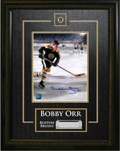 Bobby Orr - Signed & Framed 8x10 Etched Mat - Boston Bruins Black Skating vs Flyers