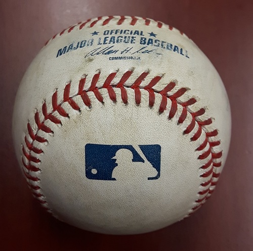 Photo of Authenticated Game Used Baseball - Derek Jeter Fly Out in his Final Career Game in Toronto (August 31, 2014)