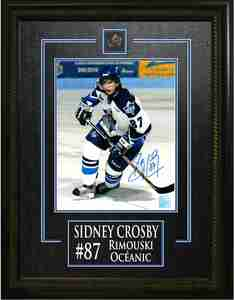 Sidney Crosby - Signed & Framed 8x10 Etched Mat - Oceanic White Action