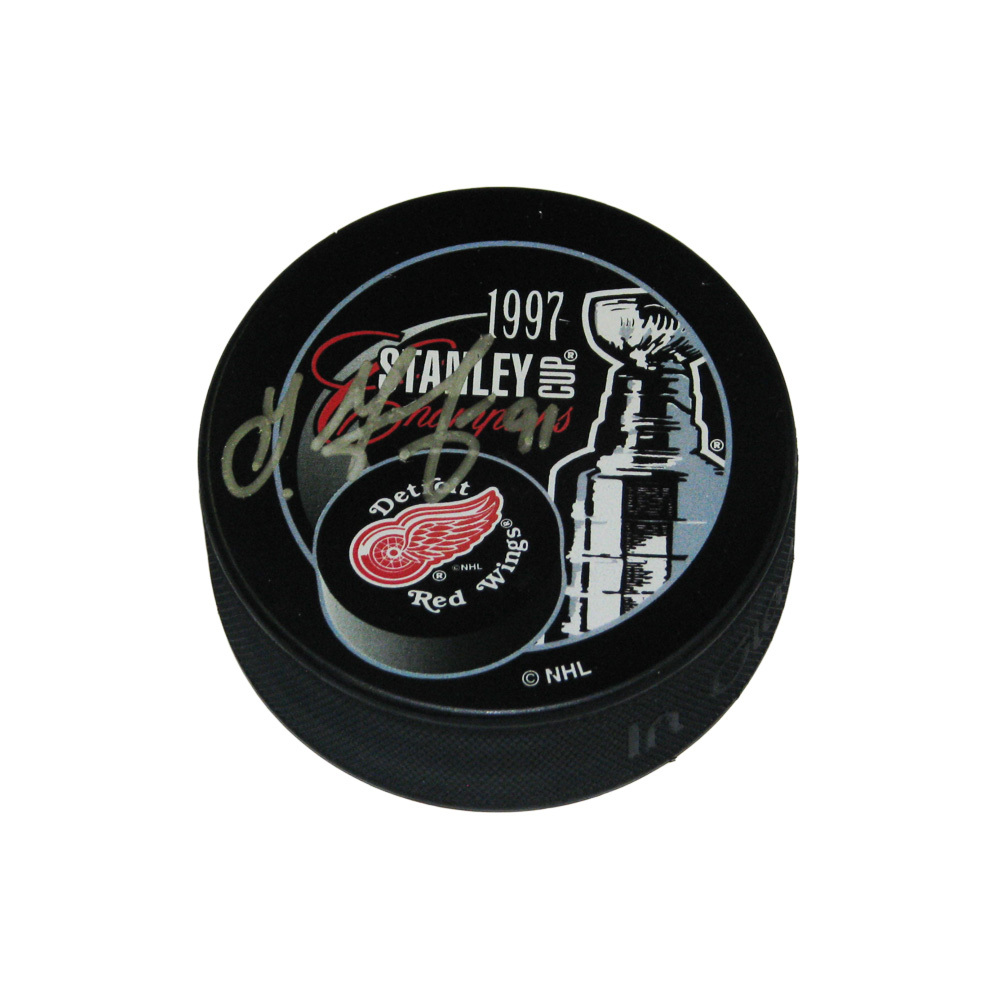 SERGEI FEDOROV Signed Detroit Red Wings 1997 Stanley Cup Champs Puck