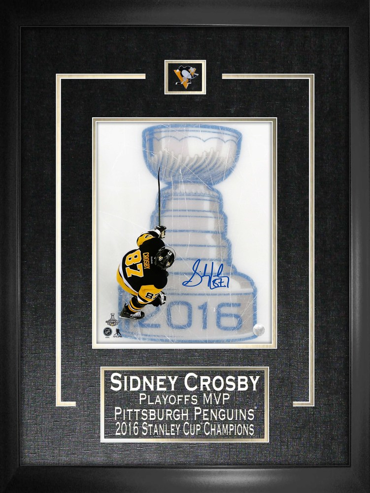Sidney Crosby - Framed & Signed 8x10