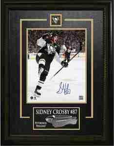 Sidney Crosby - Signed & Framed 8x10 Etched Mat - Pittsburgh Penguins Celebration