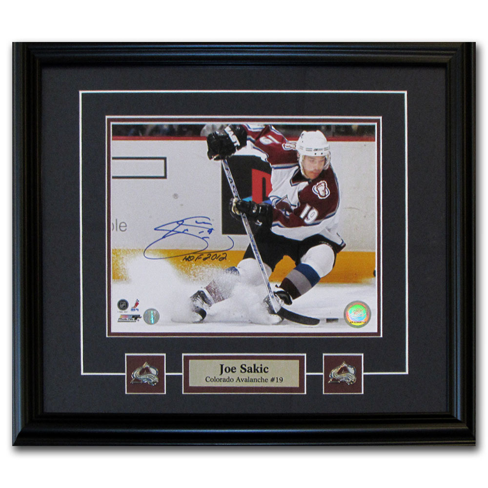 Joe Sakic Autographed Colorado Avalanche Framed 8X10 Photo w/HOF 2012 Inscription