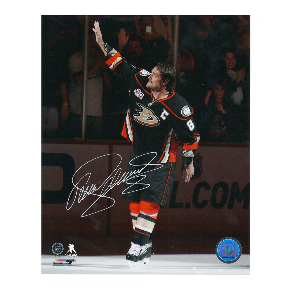 TEEMU SELANNE Signed Anaheim Ducks Last Regular Season Game 8 X 10 Photo - 70459