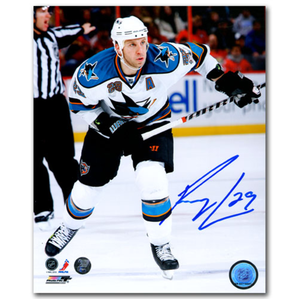 Ryan Clowe Autographed San Jose Sharks 8X10 Photo (New Jersey Devils)