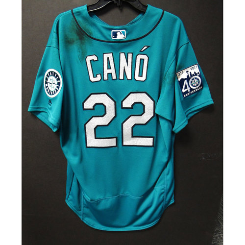 Photo of Robinson Cano Green 40th Anniversary Game-Used Jersey 6-23-2017