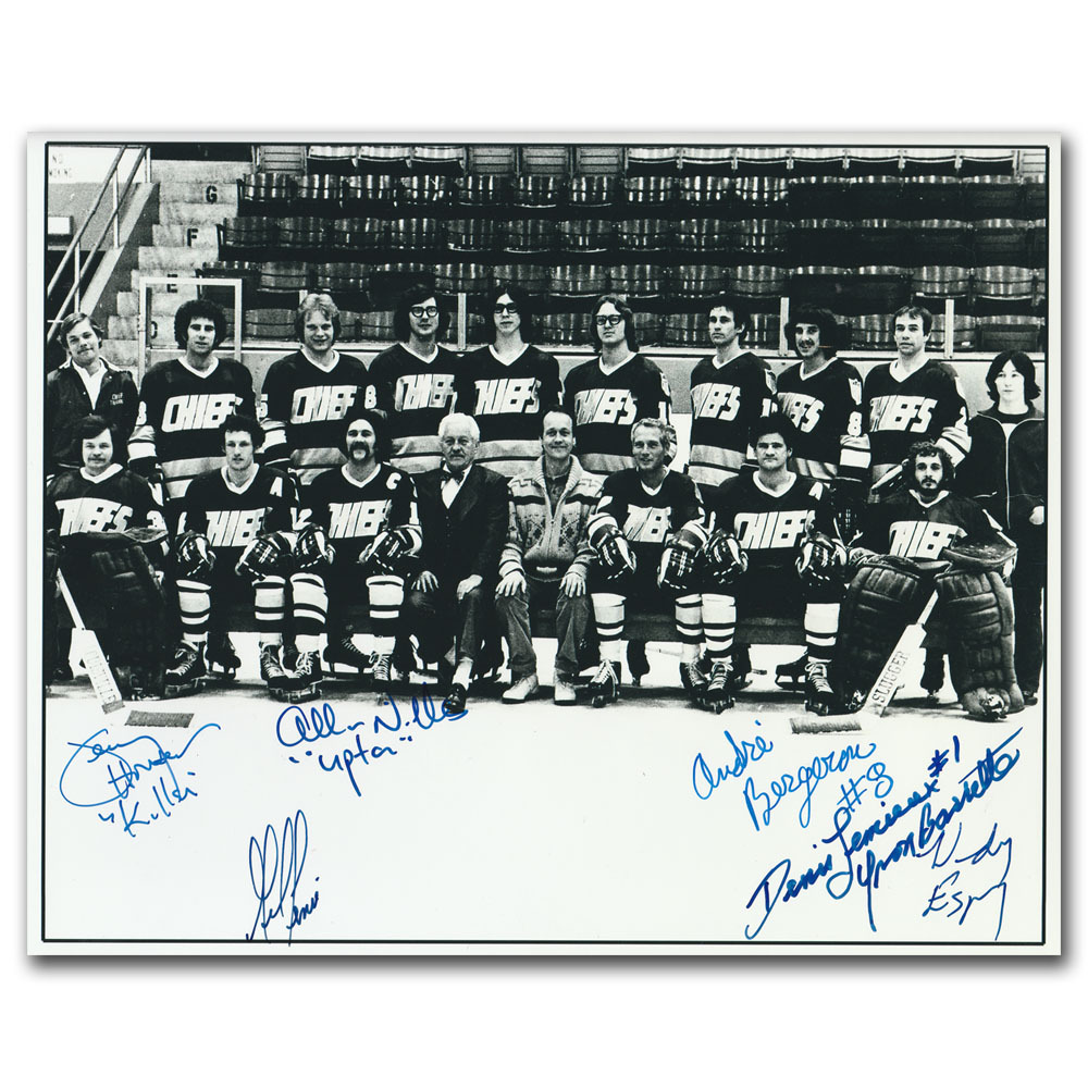 Charleston Chiefs Autographed 8X10 Photo - Signed by 6 Cast Members