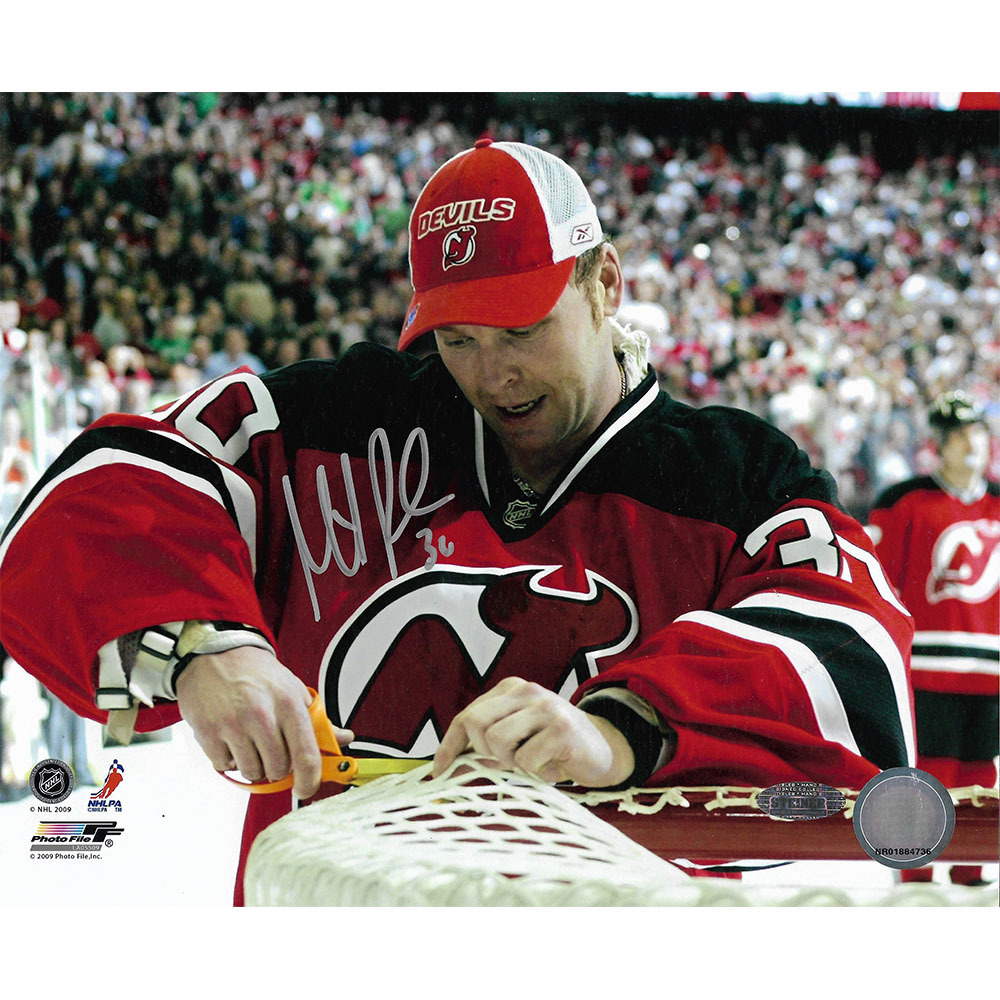 Martin Brodeur Autographed New Jersey Devils Commemorative 552nd Win 8X10 Photo