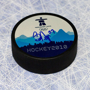 Scott Niedermayer 2010 Olympic Games Autographed Puck Canada