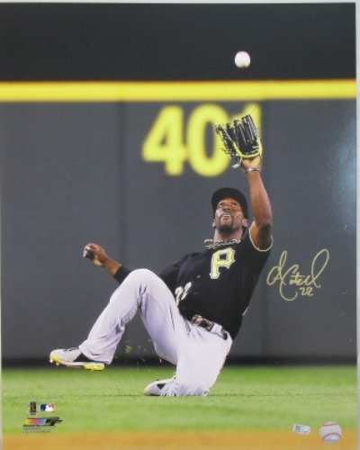 Photo of Andrew McCutchen Autographed 16x20