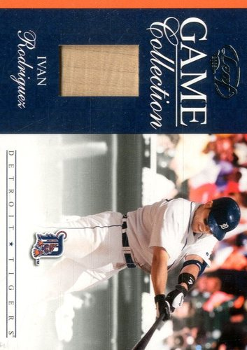 Photo of 2005 Leaf Game Collection #17 Ivan Rodriguez Bat
