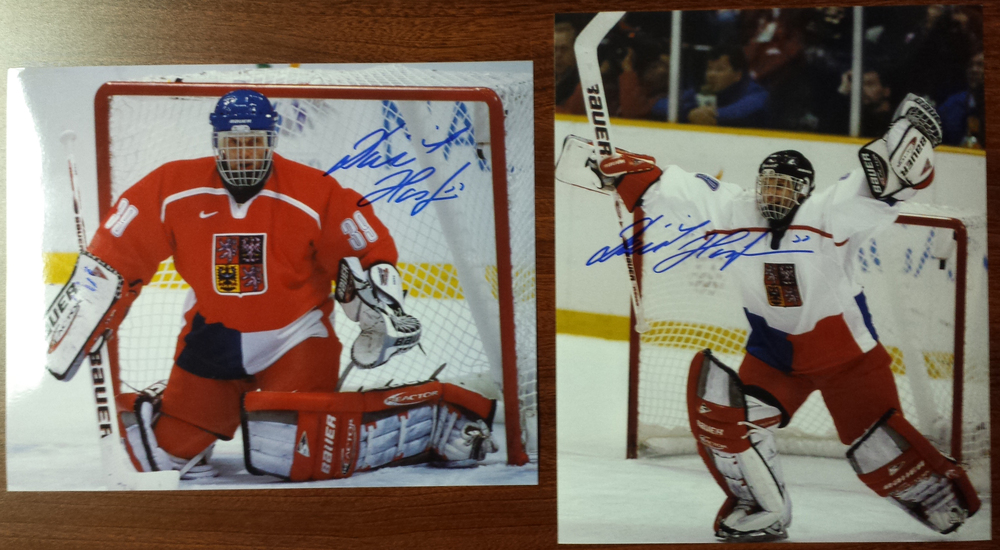 Dominik Hasek Autographed Victory international hockey 8x10 photos