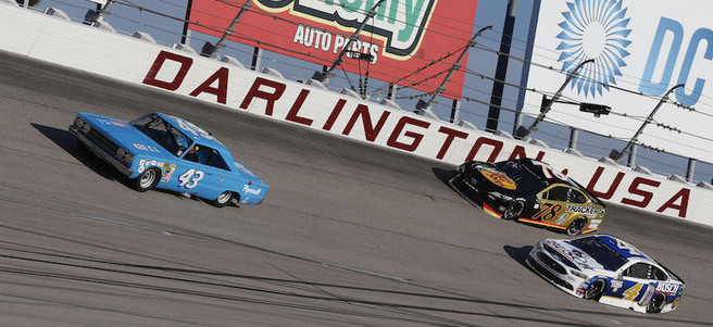 NASCAR PHOTO W/THE CHAMPION DRIVER AT DARLINGTON RACEWAY - PACKAGE 1 of 4