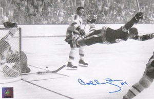 Bobby Orr - Signed 7x10 Photo - Boston Bruins