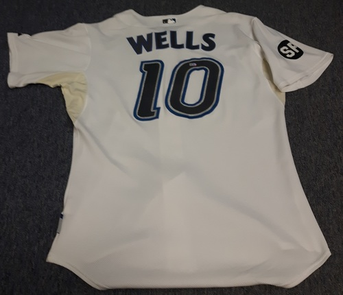 Photo of Authenticated Game Used Jersey - #10 Vernon Wells (September 28, 2007). Size 48.