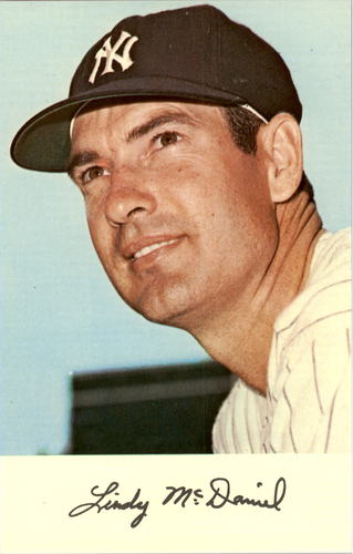 Photo of 1971 Yankees Clinic Day Postcards #11 Lindy McDaniel