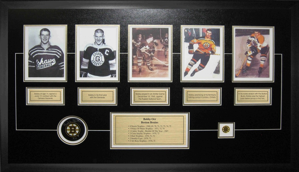 Bobby Orr - Signed & Framed Boston Bruins Puck - Featuring 5 Collector Card Set Etched Mat