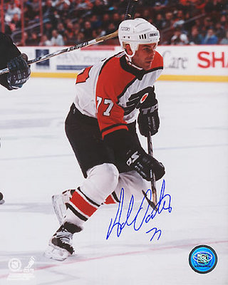 ADAM OATES Philadelphia Flyers SIGNED 8x10 Photo