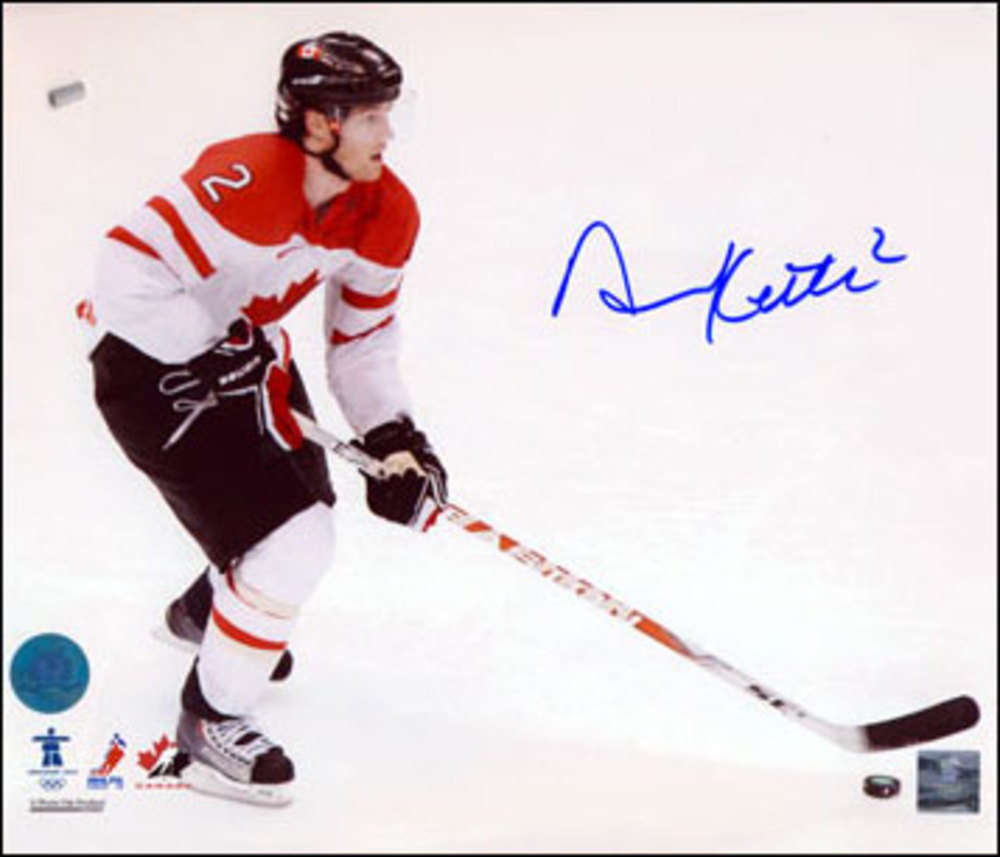 DUNCAN KEITH Autographed Team Canada 2010 Olympic Hockey 8x10 Photo