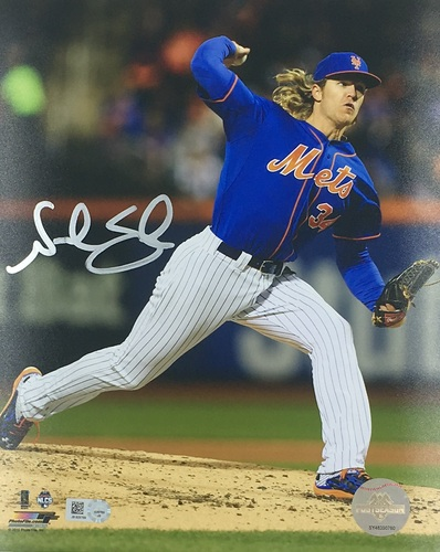 Photo of Noah Syndergaard Autographed 8x10 - Blue