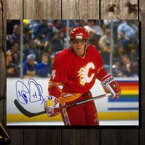 Theo Fleury Calgary Flames Autographed 11x14