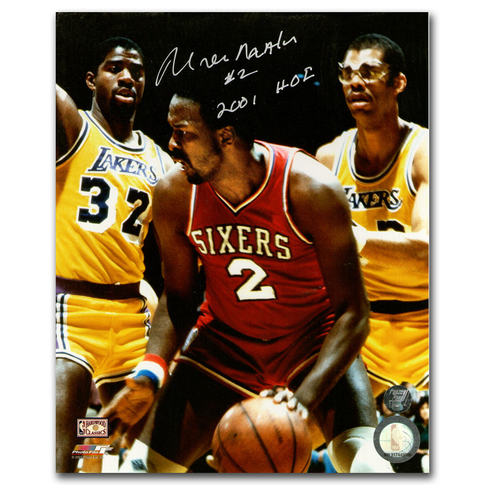 Moses Malone Autographed Philadelphia 76ers 16X20 Photo w/2001 HOF Inscription