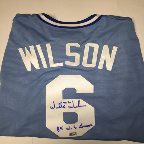 "Photo of Willie Wilson Autographed ""85 WS Champs"" Replica Royals Jersey"