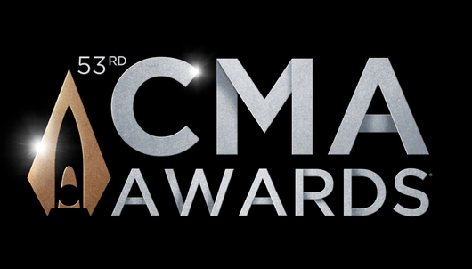 53rd ANNUAL CMA AWARDS IN NASHVILLE + AUTOGRAPHED GUITAR - PACKAGE 1 of 2