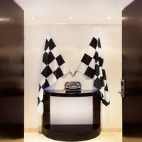Photo of Stay in the McLaren-Honda Themed Room at Hilton Brussels Grand Place - click to expand.
