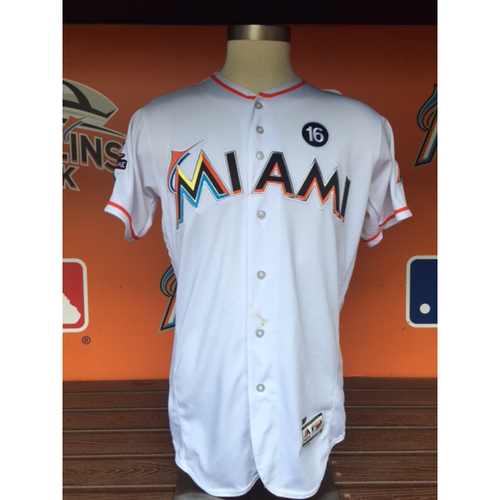 Photo of Ichiro Suzuki Jersey  (Hit #3,056 - 23rd All Time Hits Leader Passing Rickey Henderson)