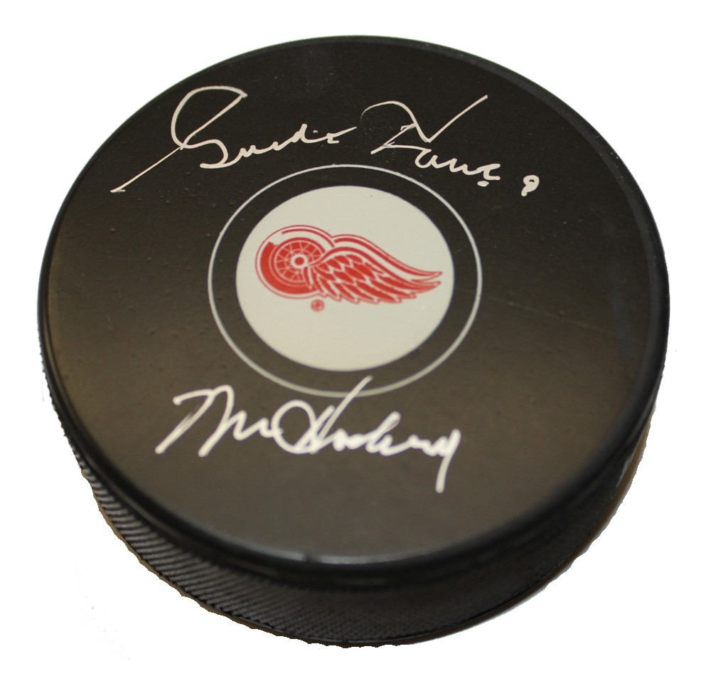Gordie Howe Autographed Detroit Red Wings Puck