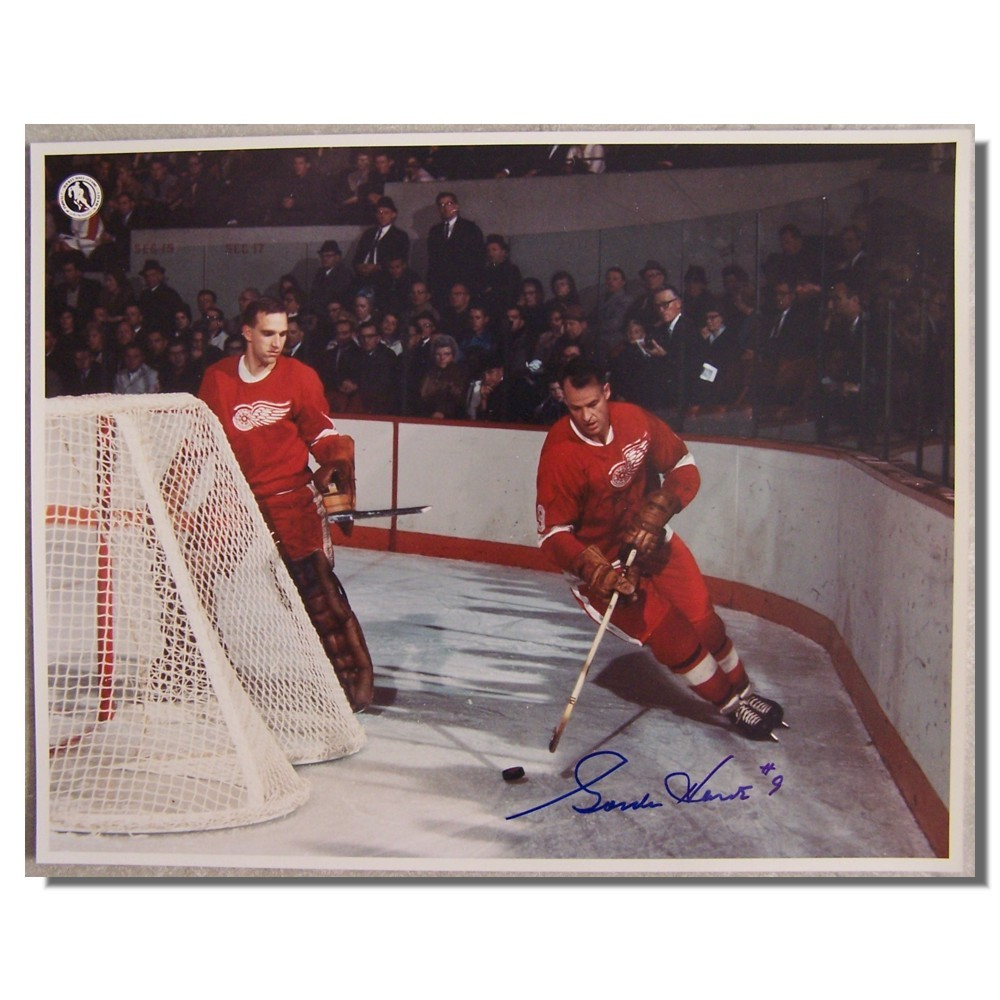 Gordie Howe Autographed Detroit Red Wings 11x14 Photo