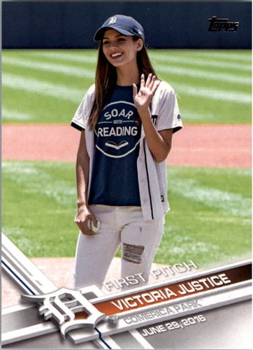 Photo of 2017 Topps First Pitch #FP15 Victoria Justice