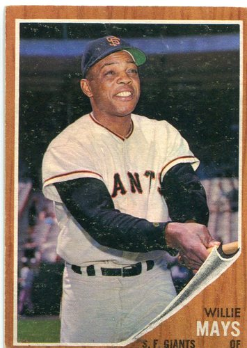 Photo of 1962 Topps #300 Willie Mays Hall of Famer