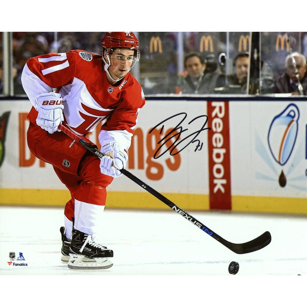 Dylan Larkin Detroit Red Wings Autographed 8