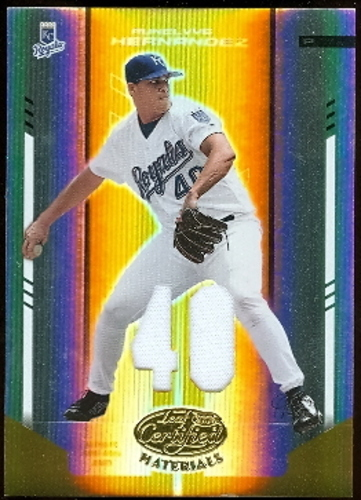 Photo of 2004 Leaf Certified Materials Mirror Fabric Gold Number #194 Runelvys Hernandez Jsy