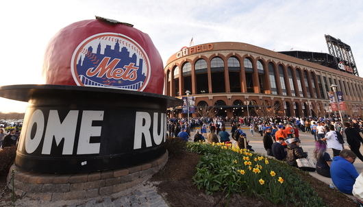 NEW YORK METS BASEBALL GAME: 8/6 VS. MIAMI (2 DELTA SKY360° CLUB TICKETS + PARKING)