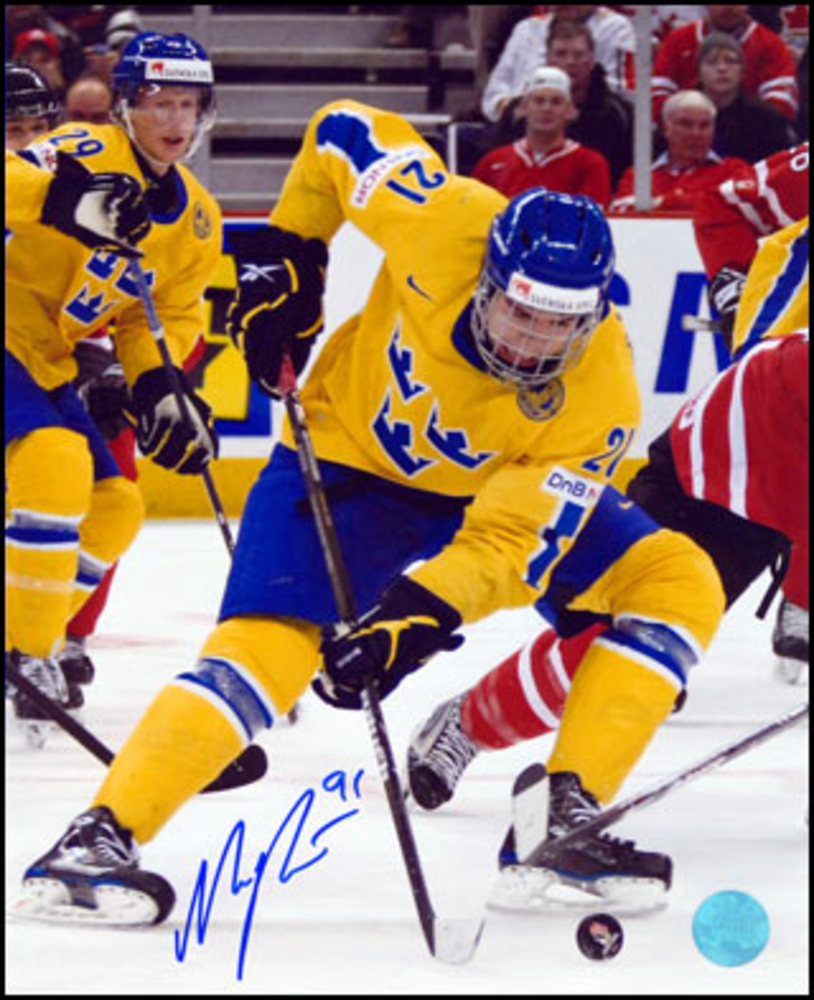 Magnus Paajarvi Team Sweden Autographed World Jr 8x10 Photo