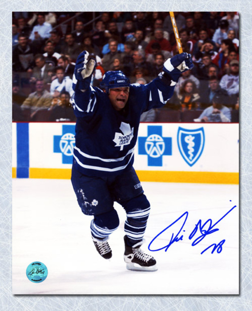 TIE DOMI Toronto Maple Leafs SIGNED 8x10 Photo Victory Celebration Photo
