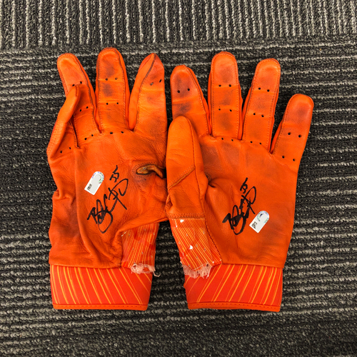 Photo of San Francisco Giants - HOLIDAY STEALS - Autographed Orange Batting Gloves - #35 Brandon Crawford
