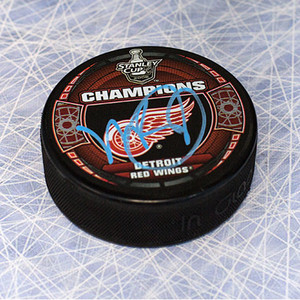Mike Babcock Detroit Red Wings Autographed 1998 Stanley Cup Puck *Toronto Maple Leafs*