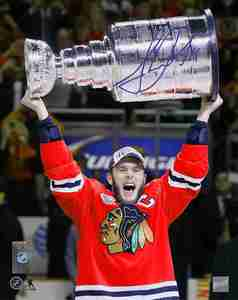 Jonathan Toews - Signed 8x10 Chicago Blackhawks 2015 Raising the Cup Photo