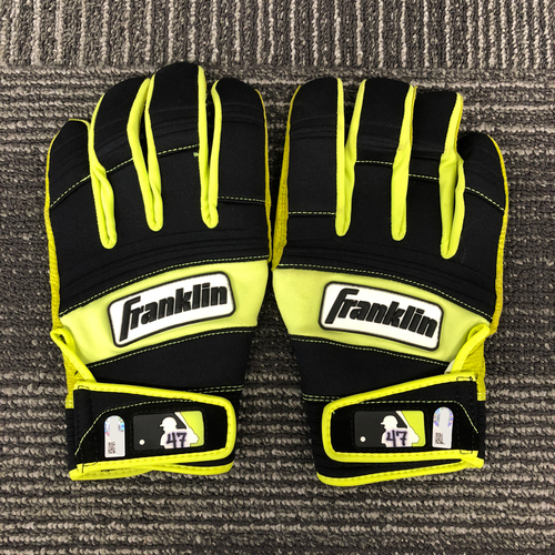 Photo of San Francisco Giants - HOLIDAY STEALS - Player Collected Black & Lime Green Batting Gloves - #47 Johnny Cueto