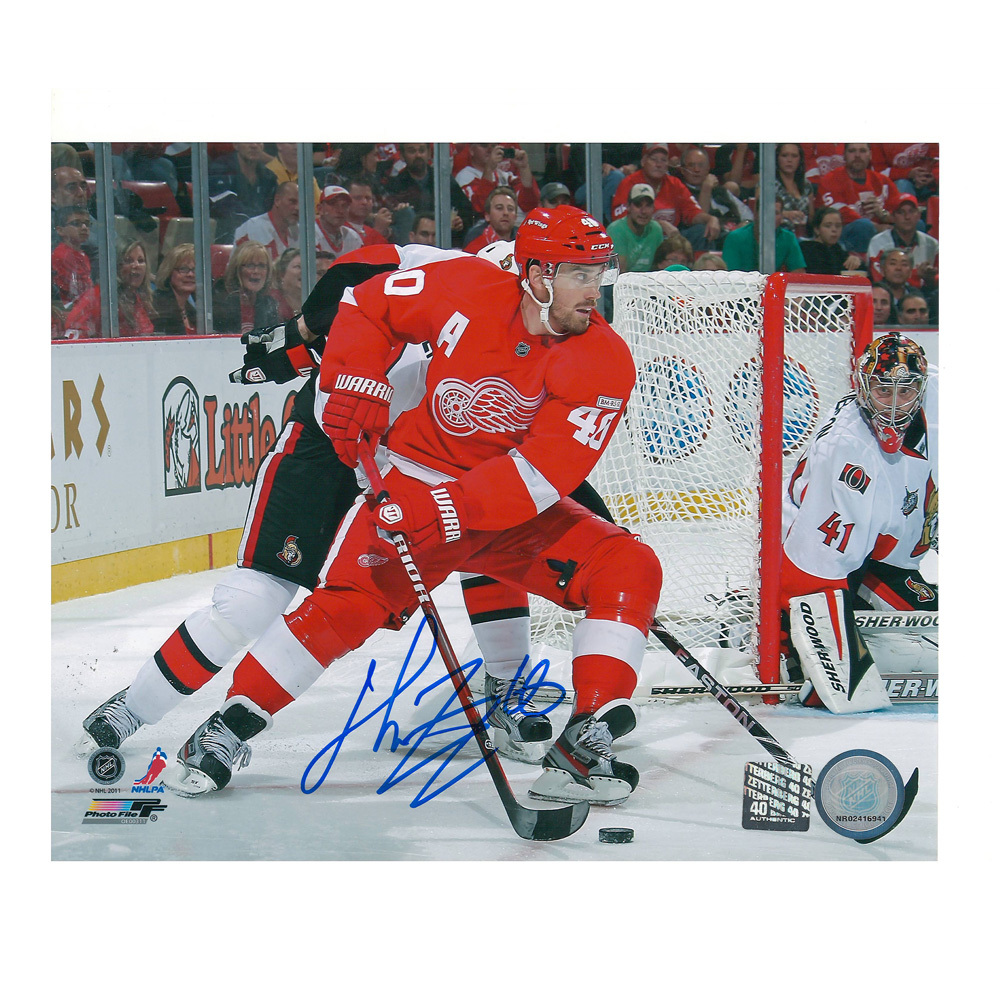 HENRIK ZETTERBERG Signed Detroit Red WIngs 8 X 10 Photo - 70496