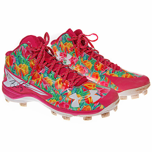 Photo of 2016 Mother's Day Pink Auction: Buster Posey Game-Used Pink Mother's Day Cleats