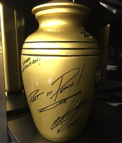 "Photo of Undertaker SIGNED ""The Streak"" Comemmorative Urn (Survivor Series - 11/22/15)"