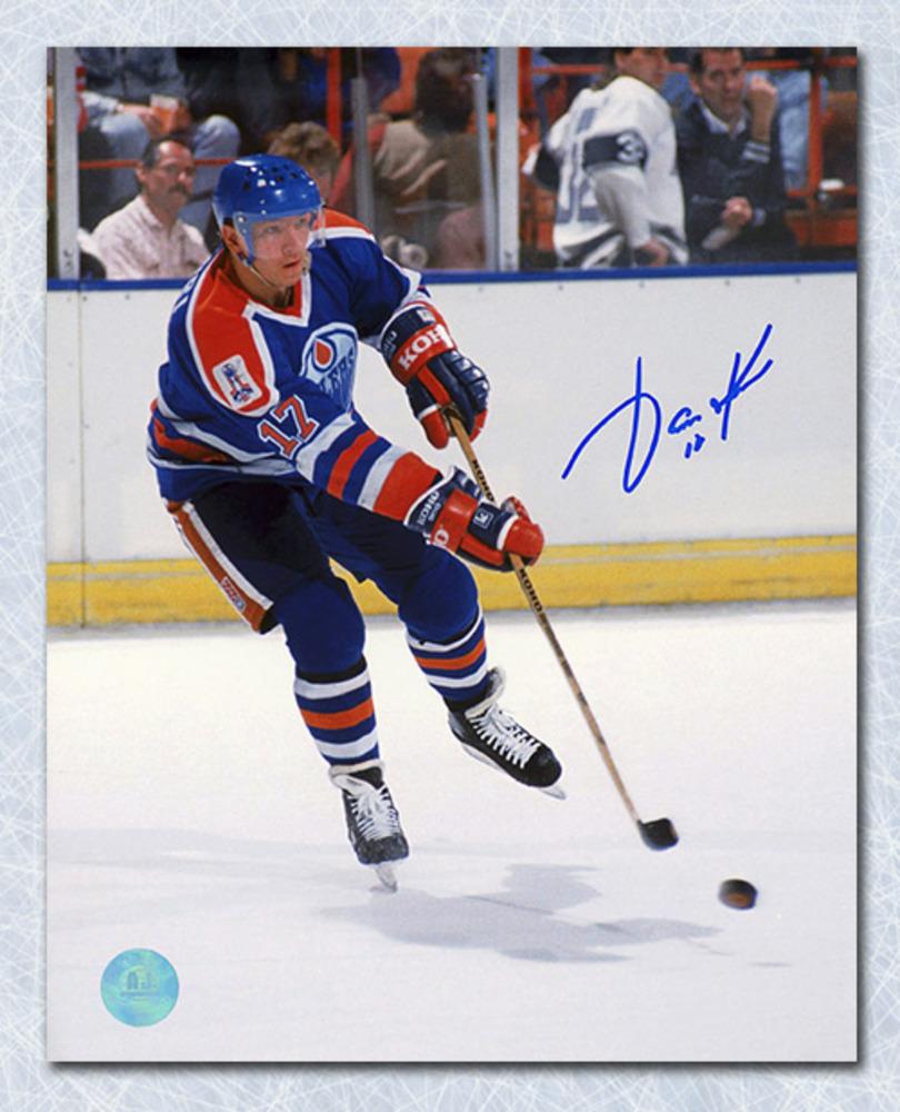 Jari Kurri Edmonton Oilers Autographed Puck Sniper 8x10 Photo