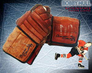 BOBBY HULL Signed Vintage Cooper Armourist Shock Shield Gloves