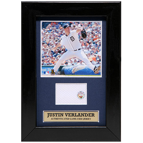 Photo of Detroit Tigers Justin Verlander Mini Plaque with Game-Used Jersey Swatch