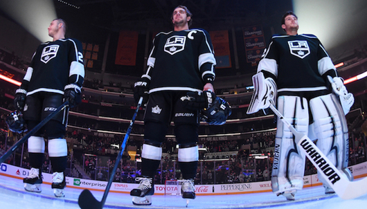LA KINGS HOCKEY GAME: 12/23 LA KINGS VS. ST. LOUIS (2 LOWER LEVEL TICKETS) - PACKA...